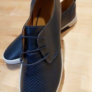 Other - Men's NWOB Navy Sneaker Shoe 13D